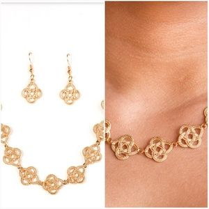 CUNNING CLEOPATRA GOLD NECKLACE/EARRING SET